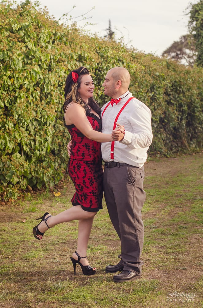 Black, white and red holiday couple's portraits - Monterey photographer - www.fotofroggy.com