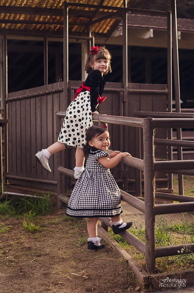 Sisters paying at stables - Monterey family photographer - www.fotofroggy.com