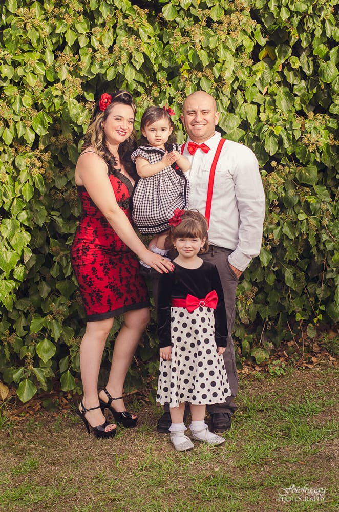 Family of four in black, white and red. Holiday portraits - Monterey photographer - www.fotofroggy.com