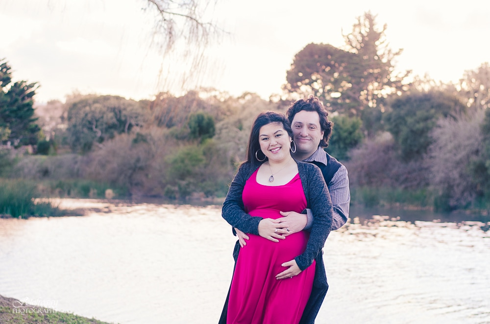 Couple's maternity portraits, Lake El Estero Monterey, family photos, www.fotofroggy.com