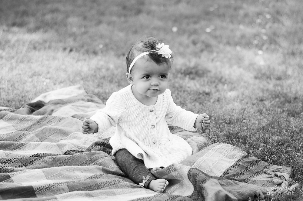 Fotofroggy Photography - black and white little girl making faces