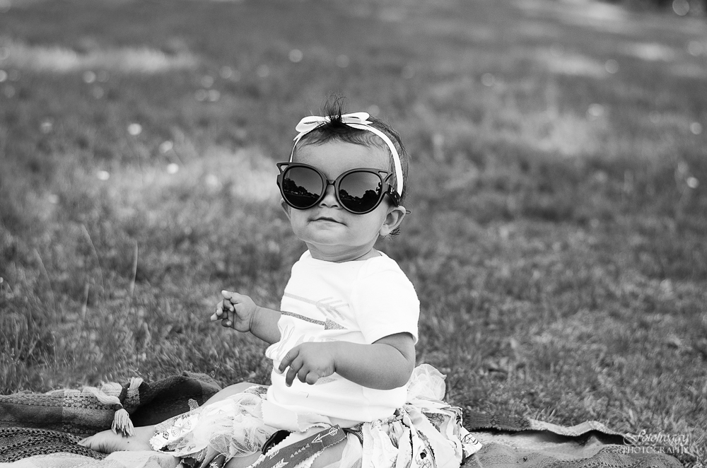 Fotofroggy Photography - cute one year old girl wearing sunglasses - black and white
