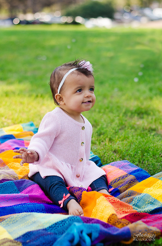 Fotofroggy Photography - adorable little girl in baby pink