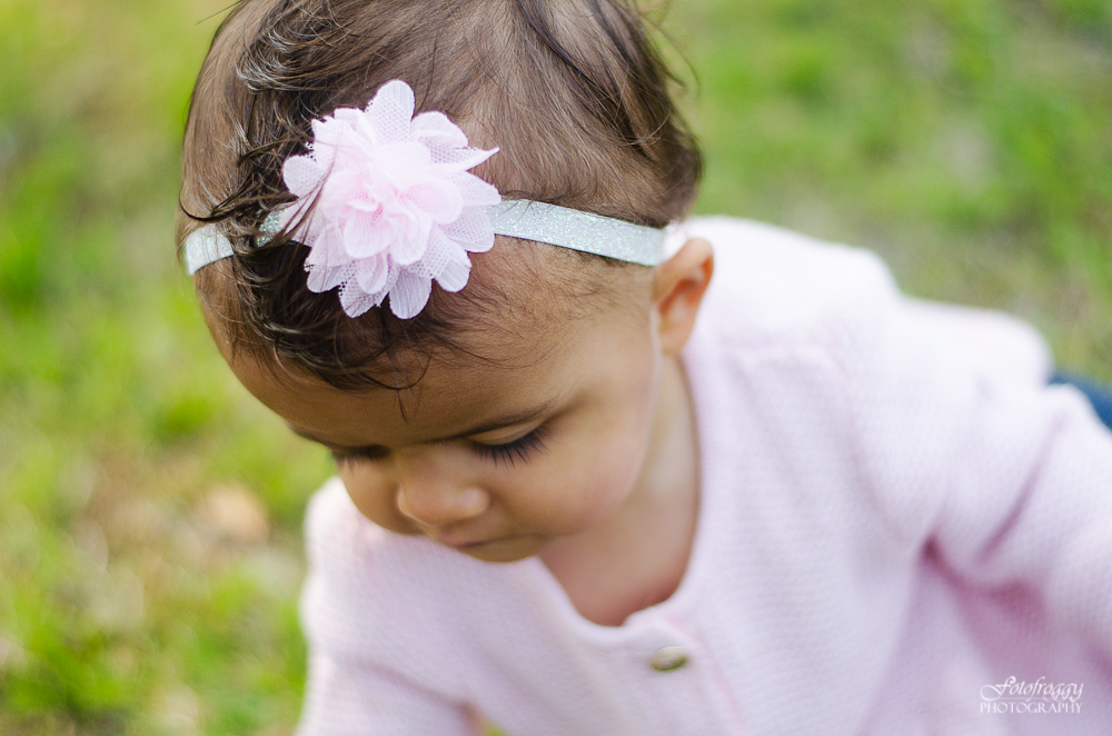 Fotofroggy Photography - close up image of baby girl with pink headband